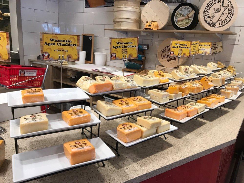 Frankenmuth Cheese Haus: 545 S Main St, Frankenmuth, MI