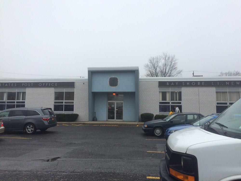 US Post Office: 1314 5th Ave, Bay Shore, NY