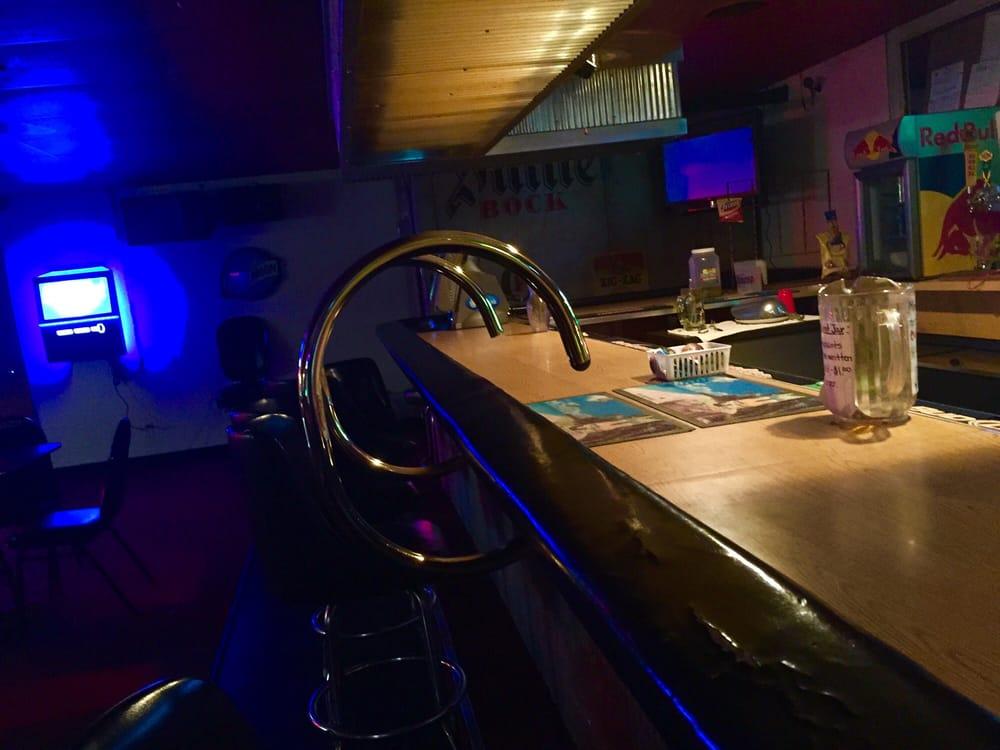 Babalou's Lounge: 2548 Ft Sill Blvd, Lawton, OK