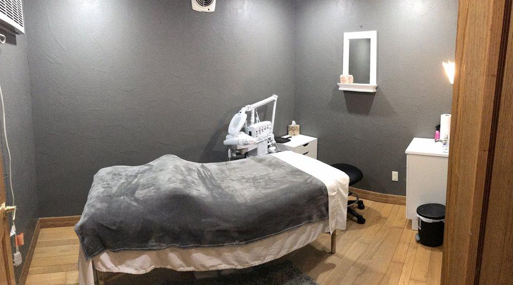 Tisha's Salon & Spa Bar: 114 Main St, Leechburg, PA