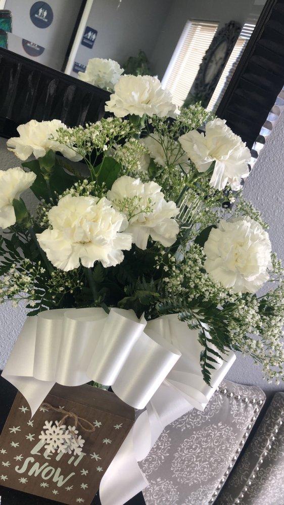 Los Banos Flower Shop: 624 K St, Los Banos, CA