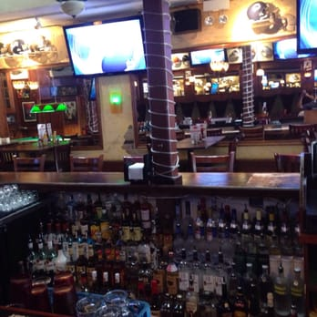 Tavern on Wells - CLOSED - 12 Photos & 16 Reviews - Sports Bars ...