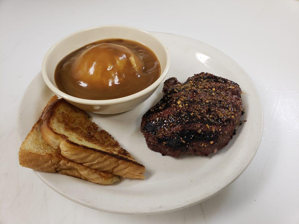 Rough City Ranch Restaurant & Bar: 440 N 12th St, Tecumseh, NE