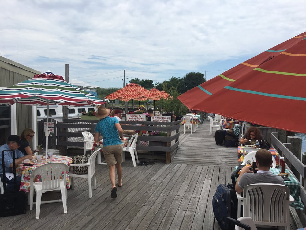 Mallory Square Restaurant: 41 River Rd, Sayville, NY