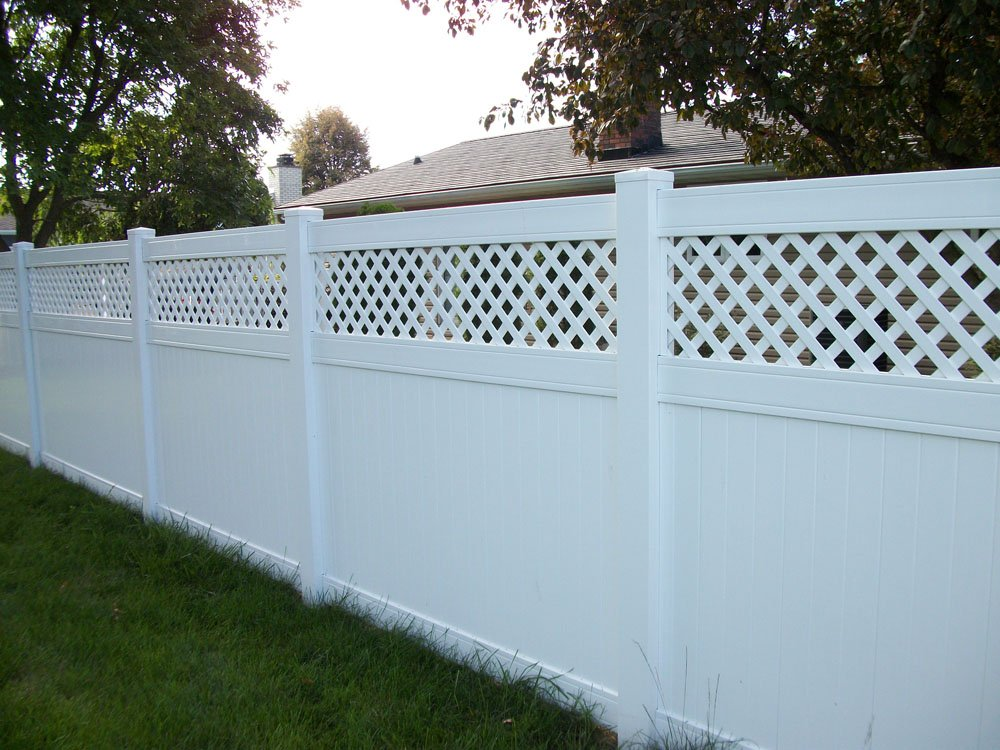 Hohulin Fence: 116 S Harrison St, Goodfield, IL