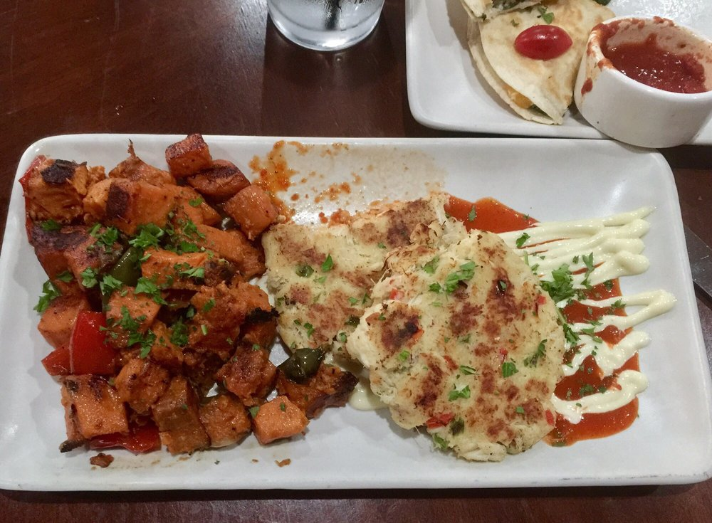Firefly Restaurant: 3001 E Frontage Rd, Amado, AZ