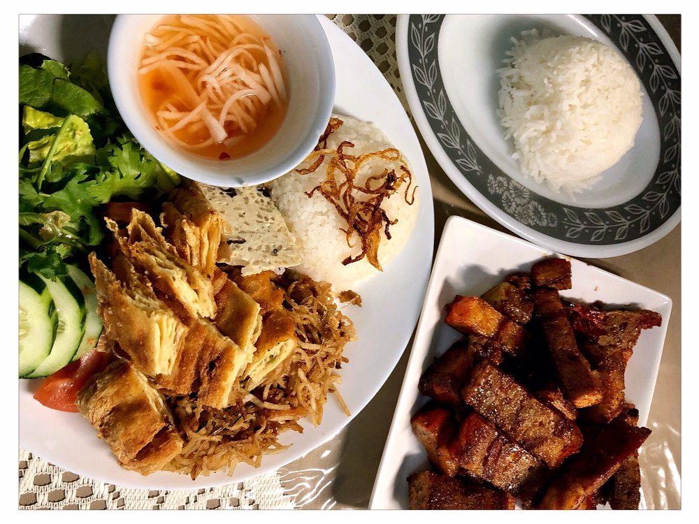 Van Hanh Vegetarian Restaurant: 8446 SE Division St, Portland, OR