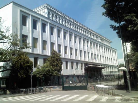 Liceo classico cesare beccaria scuole medie e superiori for Liceo di moda milano