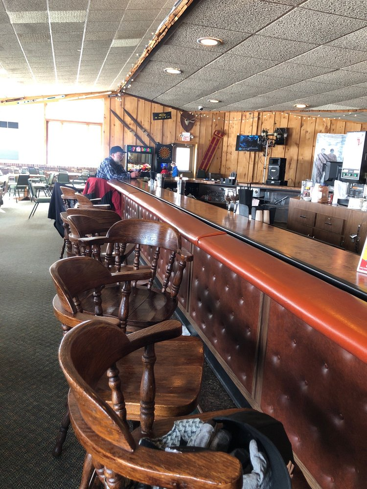 Caribou Lodge Restaurant & Lounge: N11375 Powderhorn Rd, Bessemer, MI