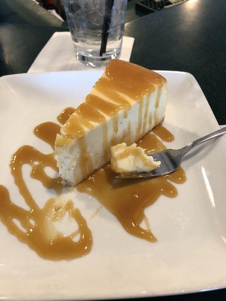 Tanglewood Restaurant & Lounge: 300 E Main St, Owosso, MI