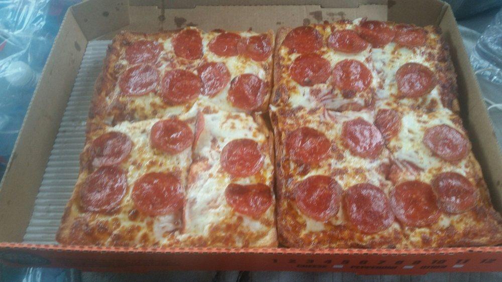 Little Caesar's Pizza: 2087 W Oaklawn Rd, Pleasanton, TX