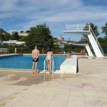 Piscine communautaire de chalais piscines 1 rue for Piscine avec solarium