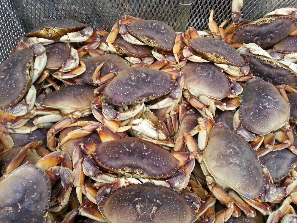 Linda Brand Crab & Seafood: 20 Cherry St W, Chinook, WA