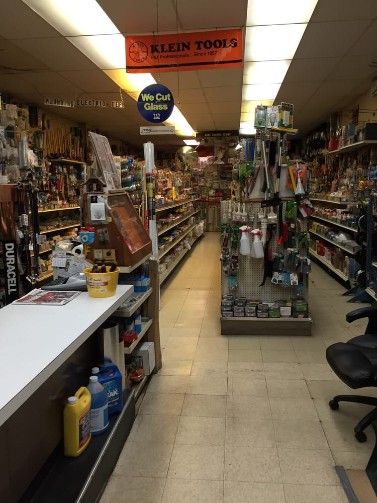 Cas hardware store 31 rese as ferreter as 5305 n for Ferreteria cerca de mi ubicacion