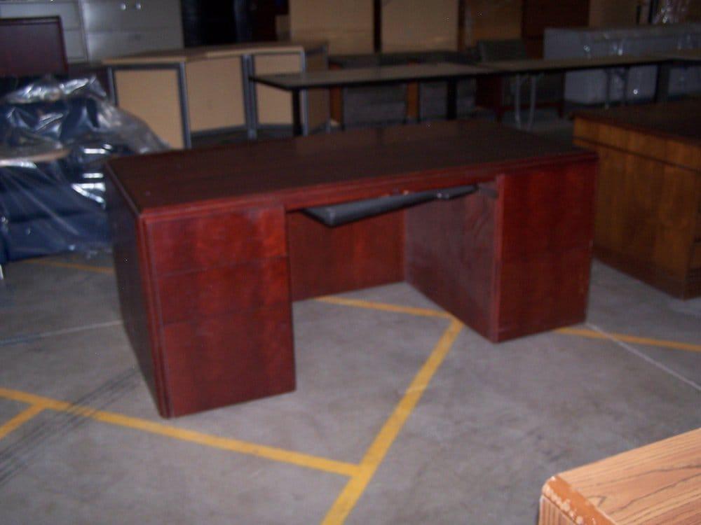 Paoli straight cherry wood veneer desk with keyboard tray ...