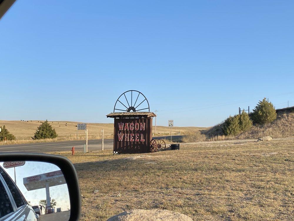 Wagon Wheel Conoco & Gifts: 14989 US Highway 385, Julesburg, CO
