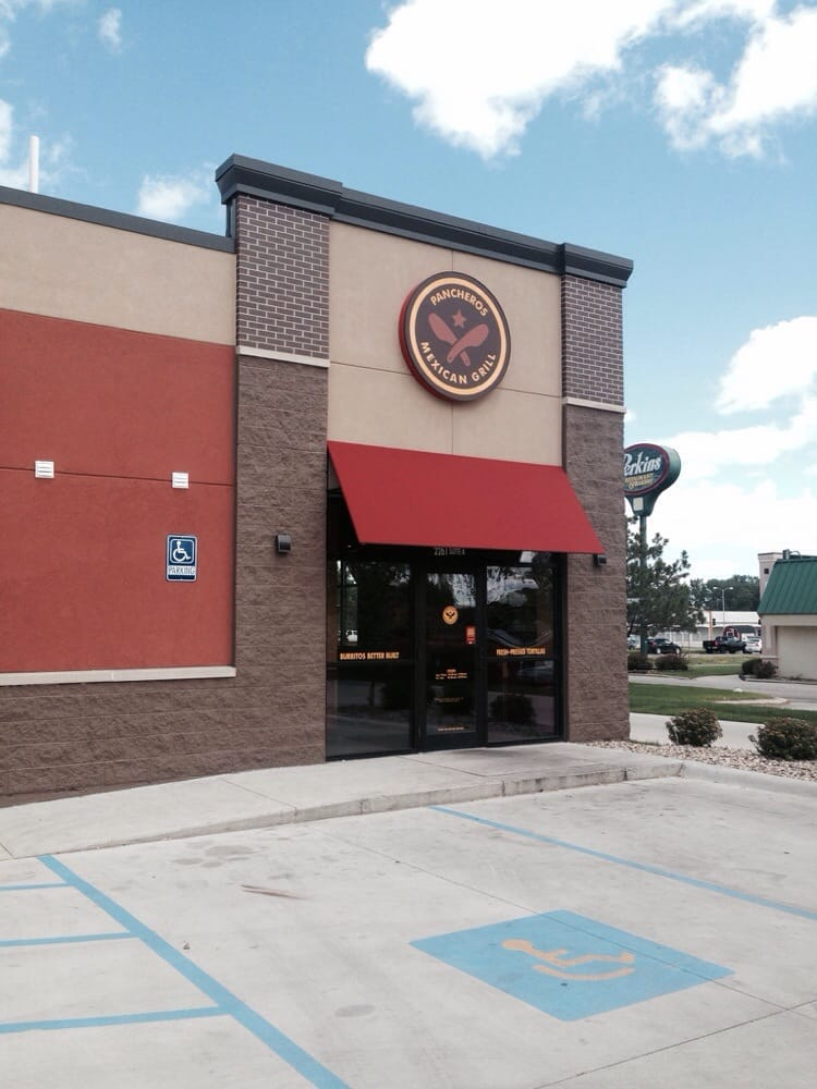 Pancheros Mexican Grill: 2261 4th St SW, Mason City, IA