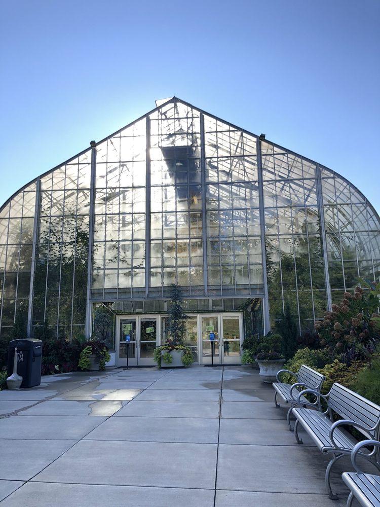 Krohn Conservatory: 1501 Eden Park Dr, Cincinnati, OH
