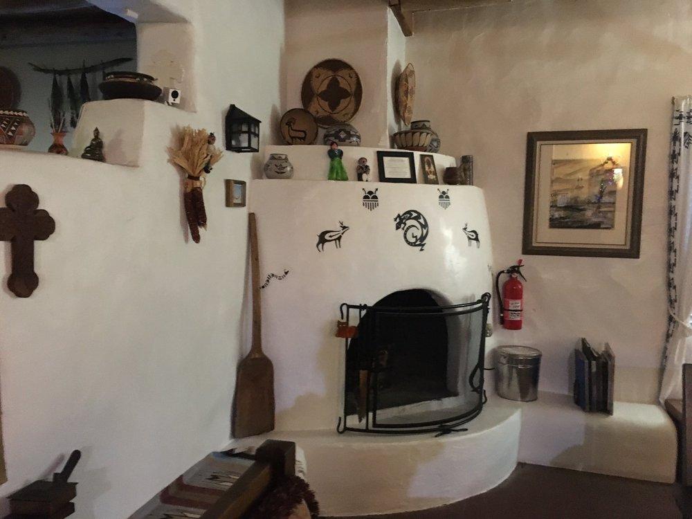 Casa Escondida Bed & Breakfast: 64 County Rd 100, Chimayo, NM