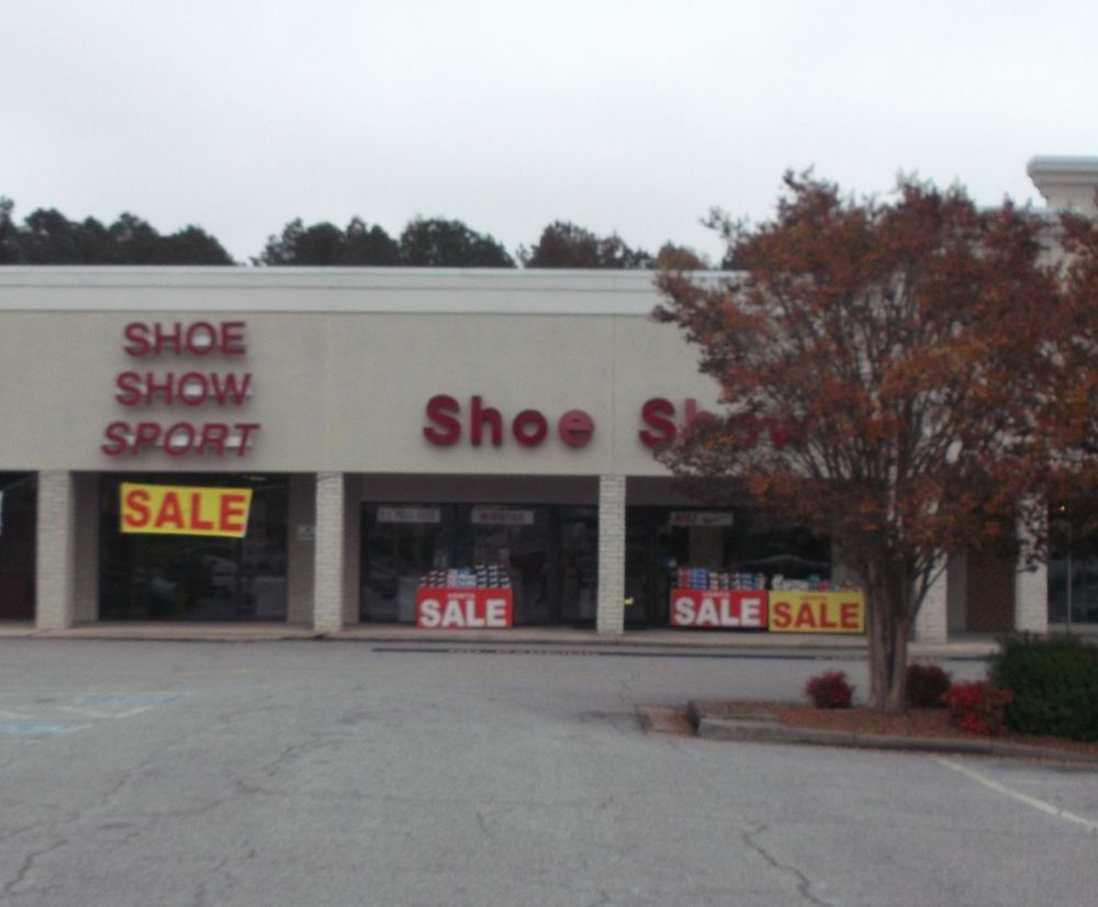 Shoe Show: 729 E Atlantic St, South Hill, VA