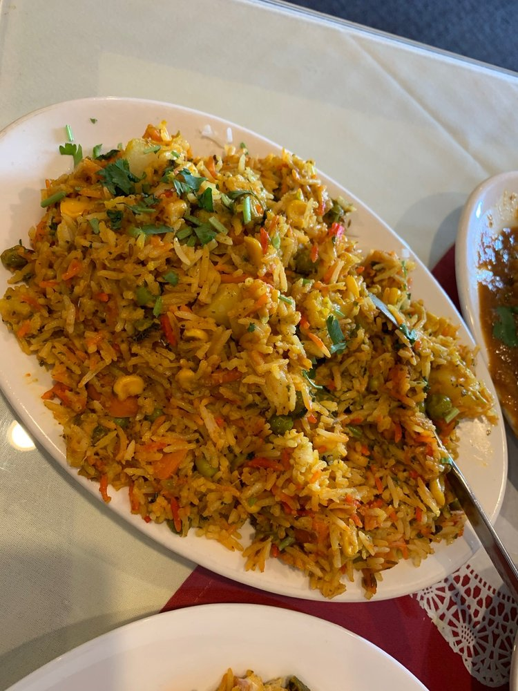 Royal India Grill: 6 Broad St, Hamilton, NY