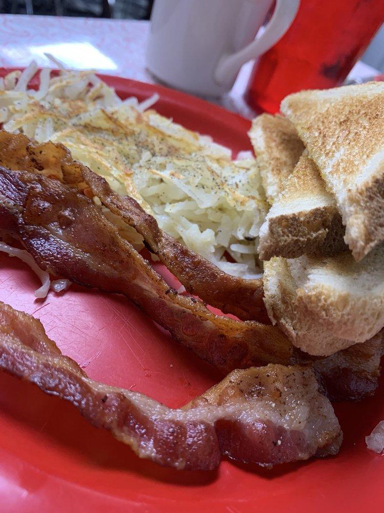Boomarang Diner: 313 N Main, Seminole, OK
