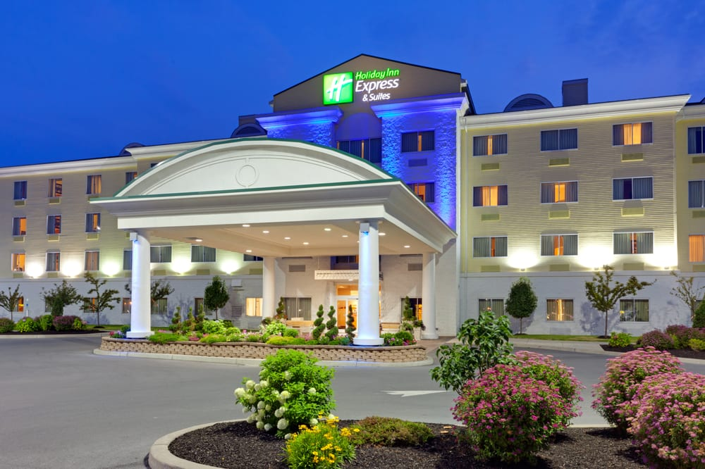 Holiday Inn Express & Suites Watertown-Thousand Islands: 1290 Arsenal St, Watertown, NY
