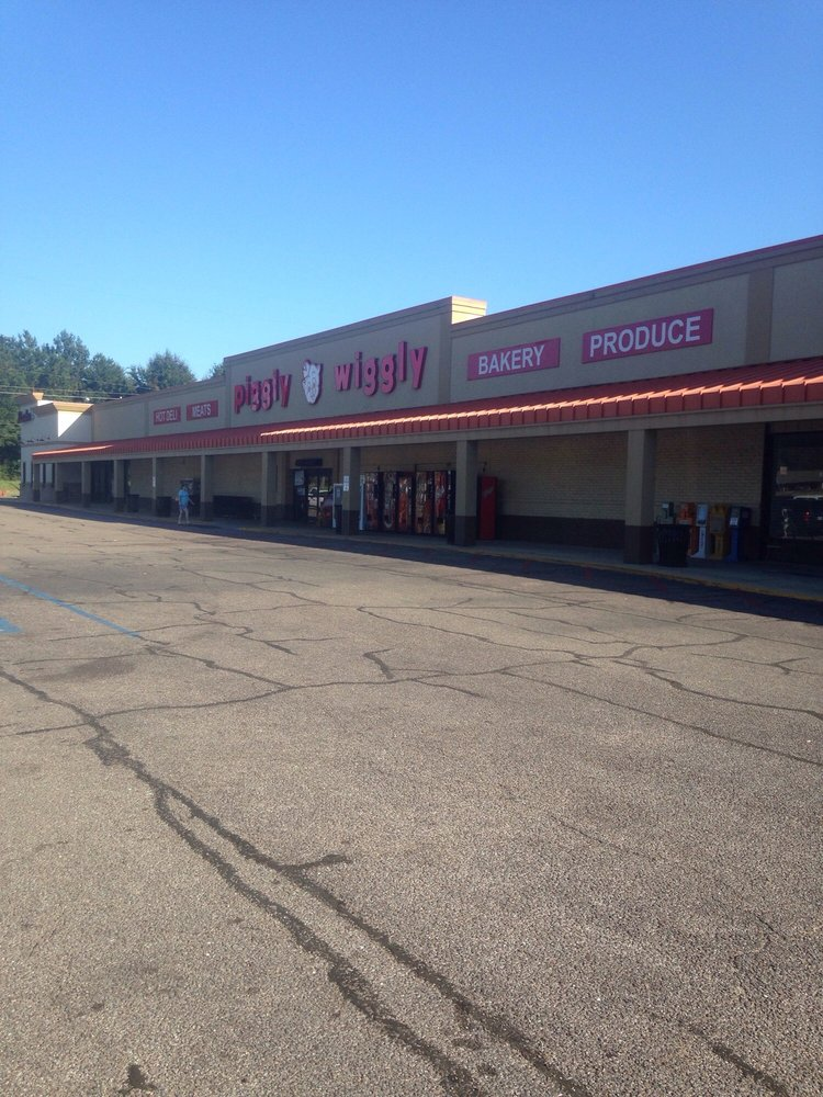 Piggly Wiggly: Highway 26 W, Wiggins, MS