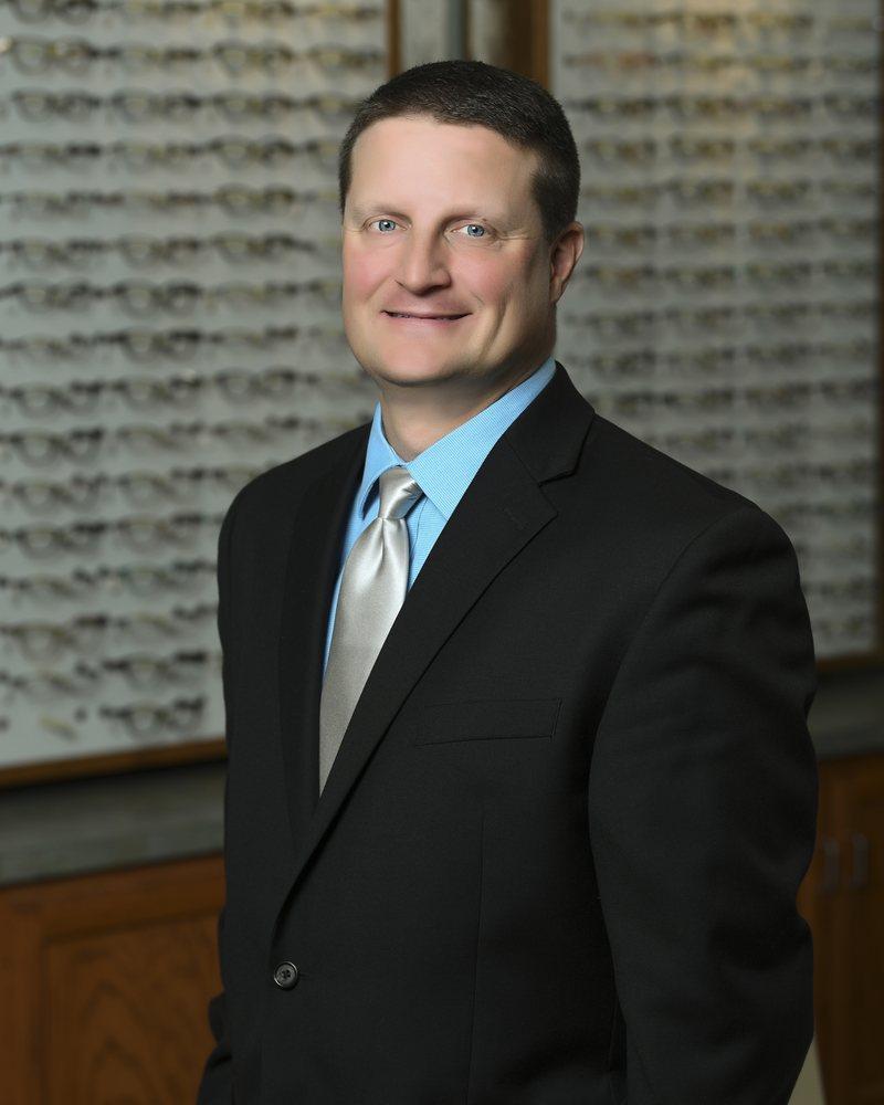 Illinois Eye Associates: 540 W North St, Manhattan, IL