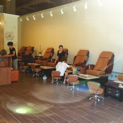 W 7th nail spa 35 photos 34 reviews nail salons for 7th street salon