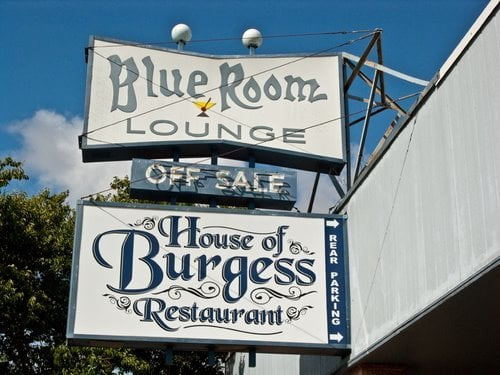 The Blue Room: 747 Redwood Dr, Garberville, CA