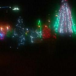Christmas Lights Milwaukee.Downtown Milwaukee S Holiday Decorations Local Flavor E