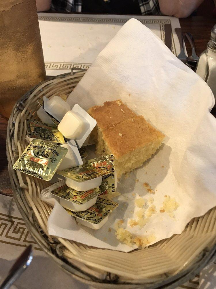 Dimitri's Restaurant: 2710 Kenilworth Blvd, Sebring, FL