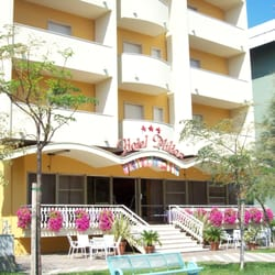 Hotel milton hotel via pascoli 4 bellaria igea marina for Hotel milton milano