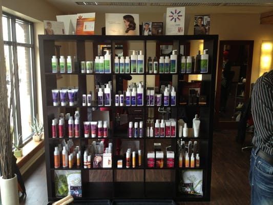 La luma salon hair salons 11 macdonell stylist guelph for Acqua salon guelph