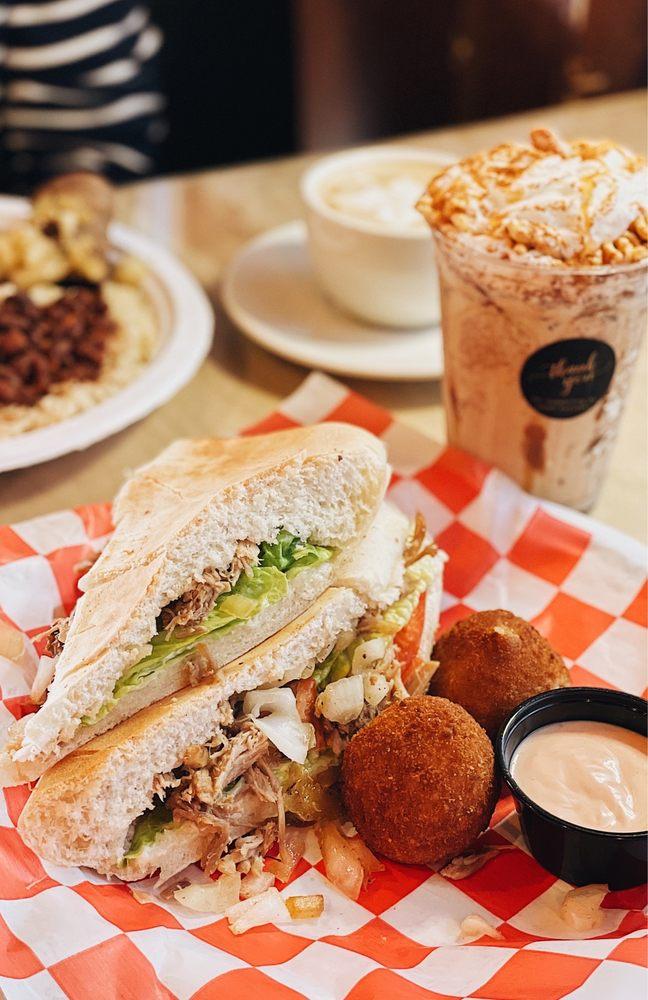 Los Autenticos Cuban Cafe: 7339 E Colonial Dr, Orlando, FL