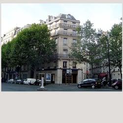 d1739df382c4 Burberry - Women s Clothing - 8 Boulevard Malesherbes, Concorde ...