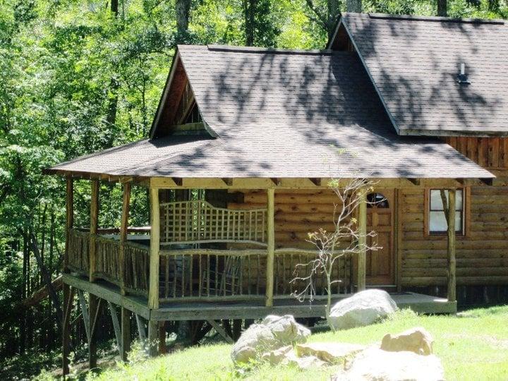 Sherwood Cabin: 463 High Mountain Rd, Hot Springs, NC