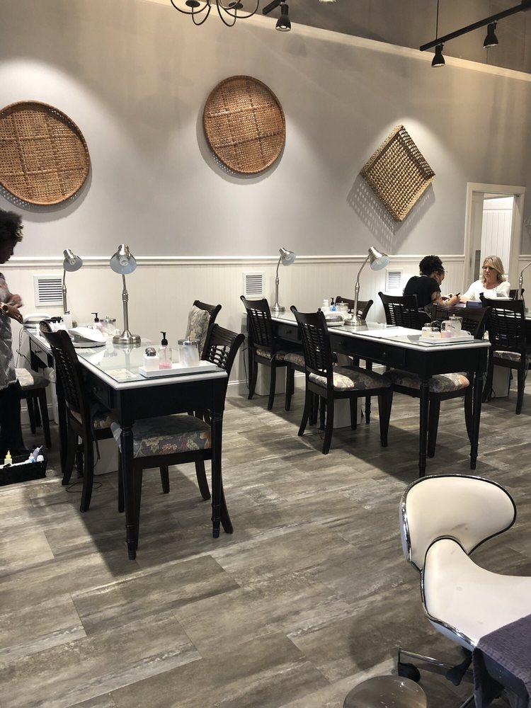 Savannah Nail Bar: 1405 North Alt A1A, Jupiter, FL