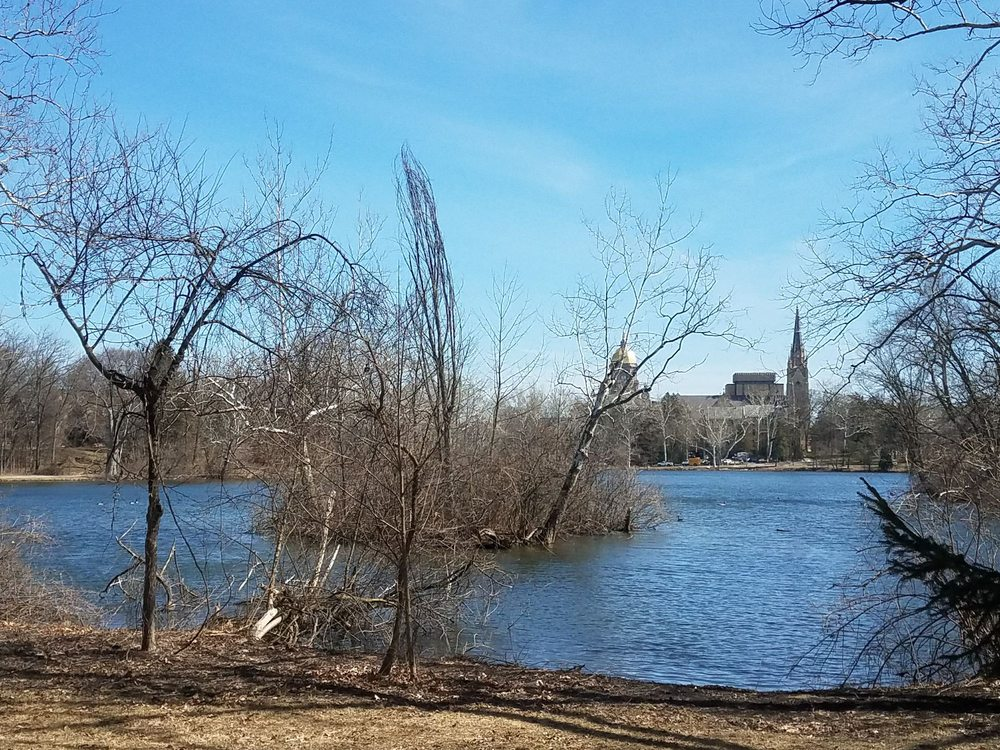 St Mary's Lake: St. Mary's Rd & Holy Cross Dr, Notre Dame, IN