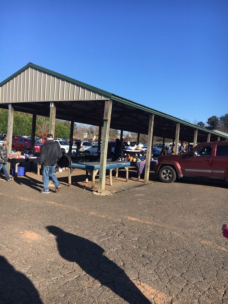 161 Flea Market: 1525 Bessemer City -Kings Mountain Hwy, Bessemer City, NC