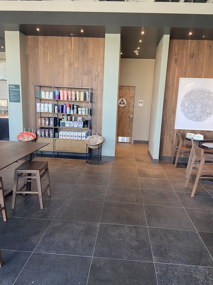 Starbucks: 30016 Country Rd 8, Dunnigan, CA
