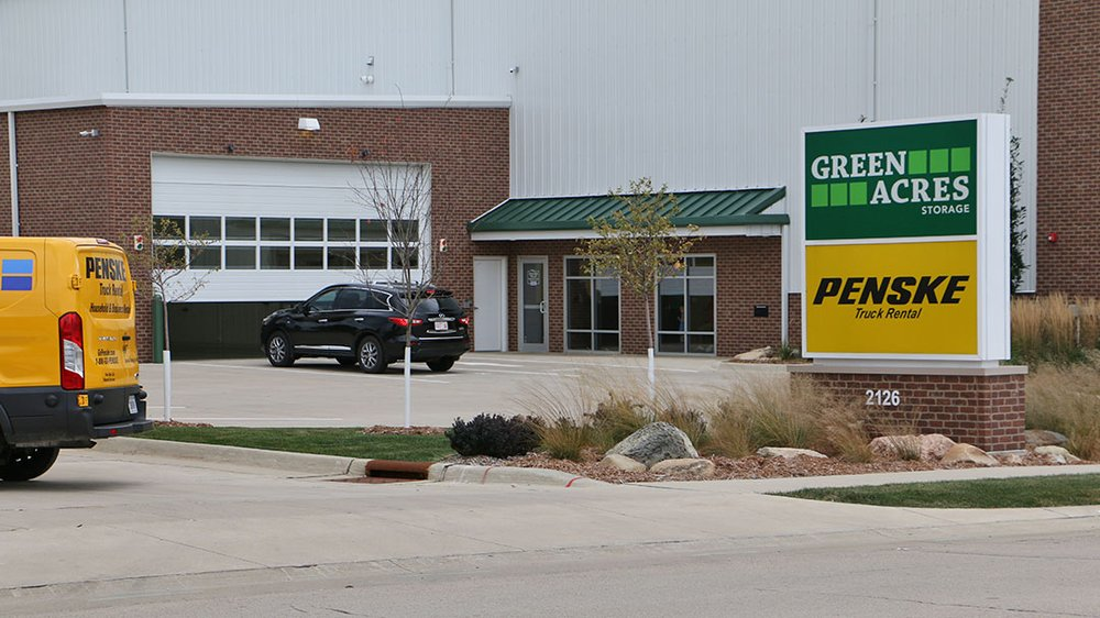 Green Acres Storage LLC: 2126 Holliday Dr, Dubuque, IA