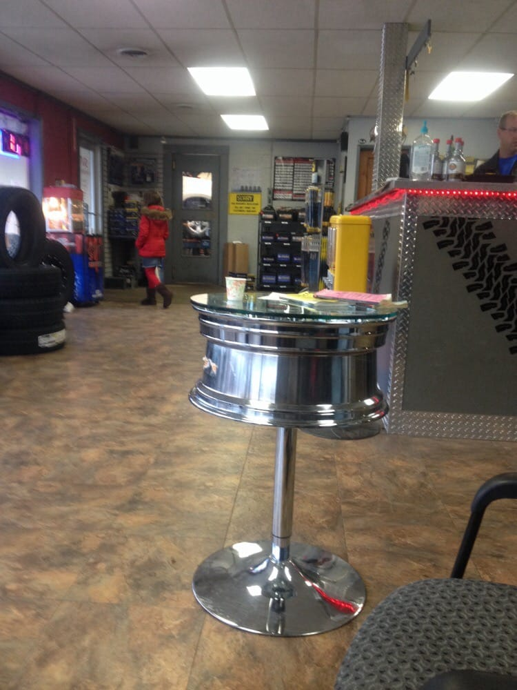 Silver Valley Tire Center: 407 W Cameron Ave, Kellogg, ID