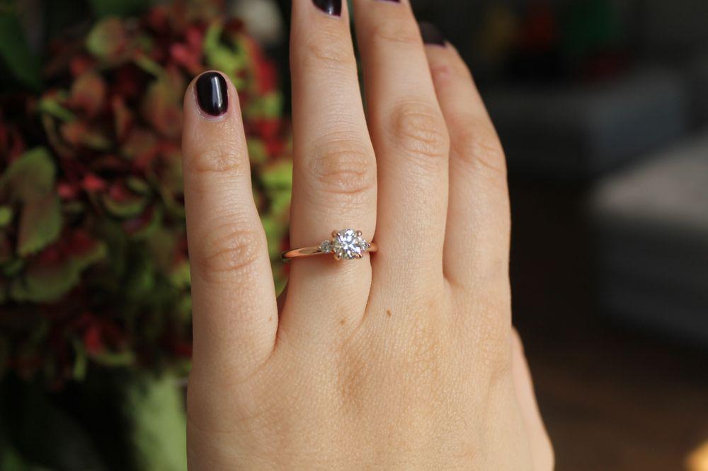 Little Bird - Diamond & Engagement Ring Expertise