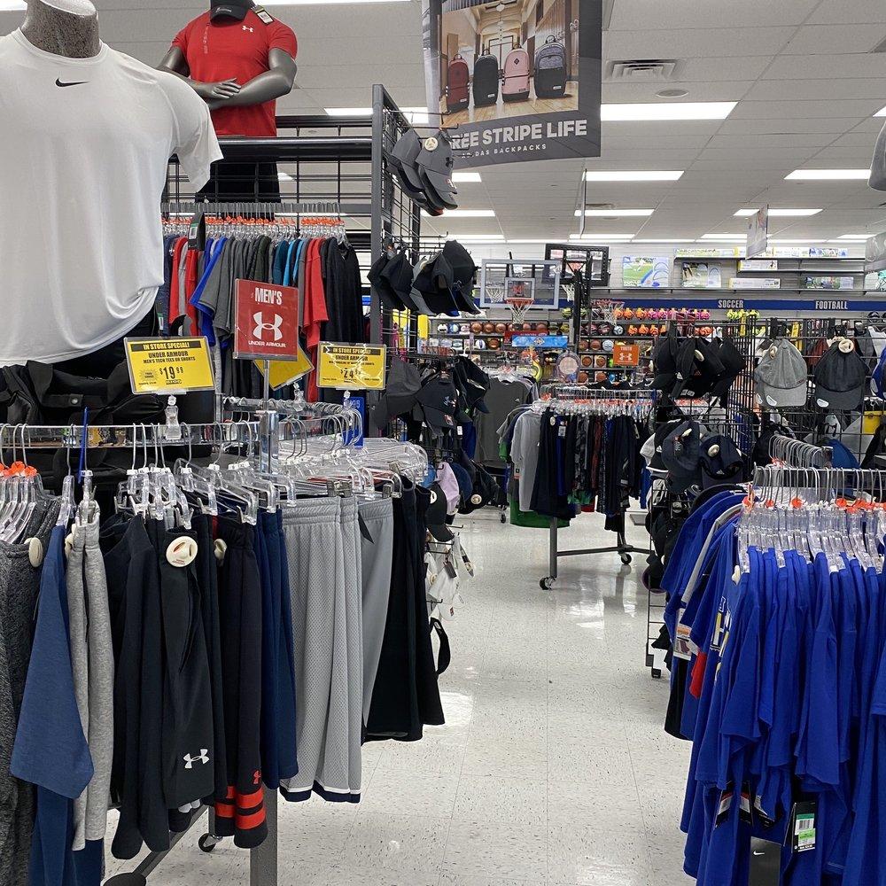 Big 5 Sporting Goods: 2421 W Rosecrans Ave, Gardena, CA