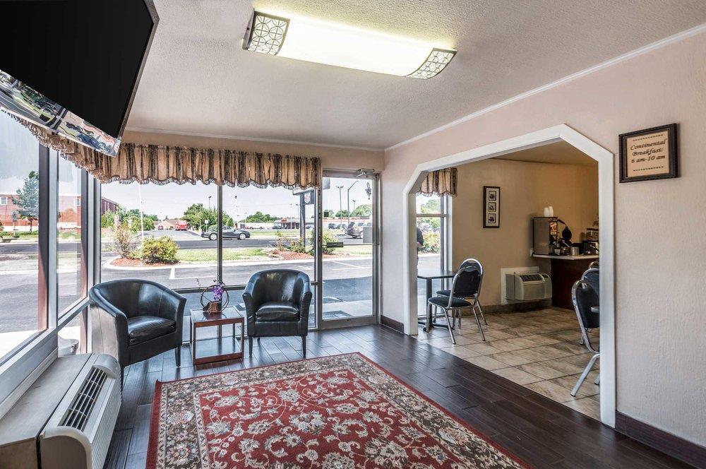 Econo Lodge: 8175 Ocean Gateway, Easton, MD