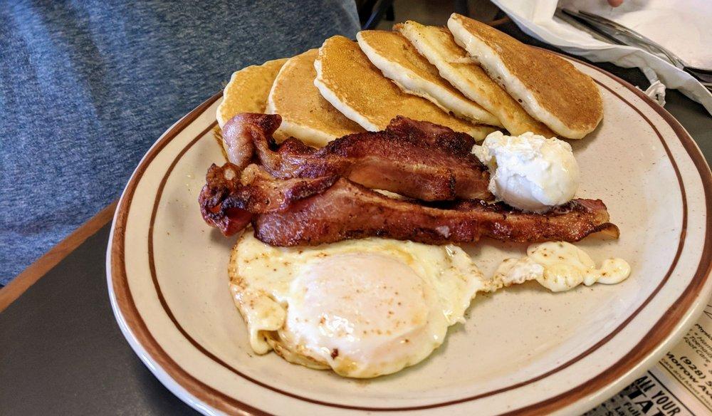 Grandpa's Kitchen: 3065 Northern Ave, Kingman, AZ