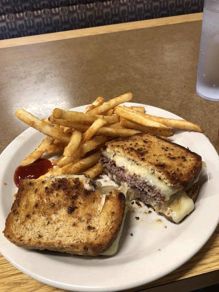 Breakfast & Burgers: 286 S Main St, Independence, OR