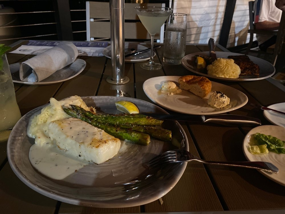 Marina 27 Steak & Seafood: 22 A St, Lake Lotawana, MO